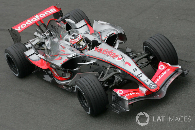 GP da Malásia 2007 – Na McLaren em 2007, o bicampeão venceu sua primeira prova já na segunda oportunidade, em uma dobradinha com o futuro rival daquele ano Lewis Hamilton.
