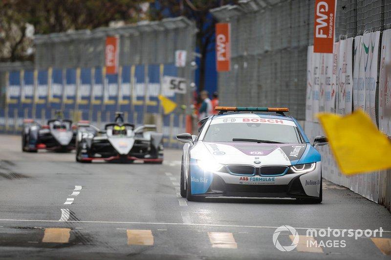 El BMW i8 Safety y Oliver Rowland, Nissan e.Dams, Nissan IMO1