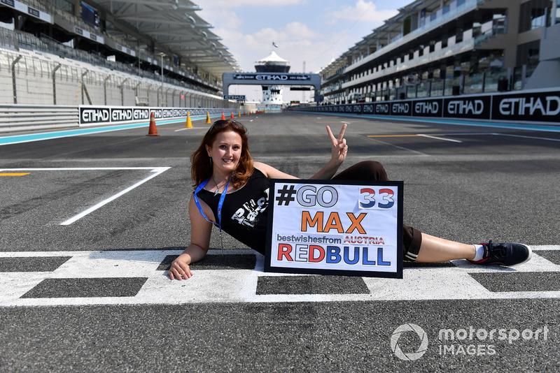 Una tifosa di Max Verstappen, Red Bull Racing