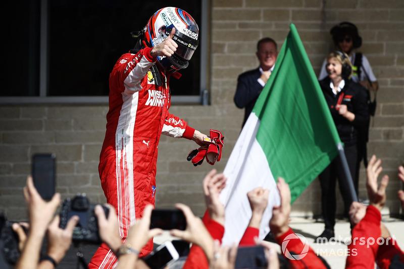 Kimi Raikkonen, Ferrari SF71H, festeggia dopo aver vinto la gara