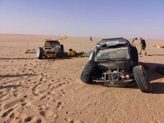 Törött kocsik az Africa Eco Race-en, 7. szakasz