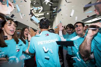 Lewis Hamilton, Mercedes AMG F1, celebración del Campeonato Mundial