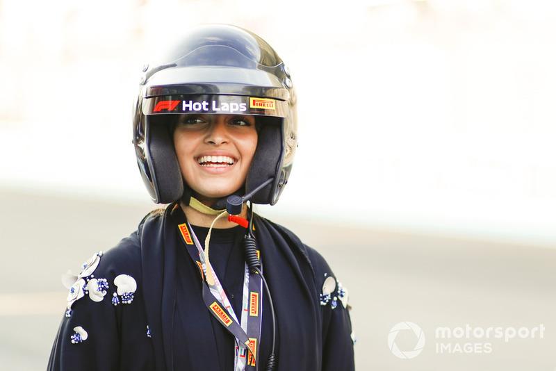 La pilote de F4 Amna Al Qubaisi se prépare pour un Hot Lap