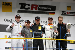 Podium: bester Junior Dominik Fugel, Team Honda ADAC Sachsen, Honda Civic TCR; 2. Benjamin Leuchter,