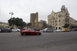 Фернандо Алонсо в Mclaren P1 в Баку
