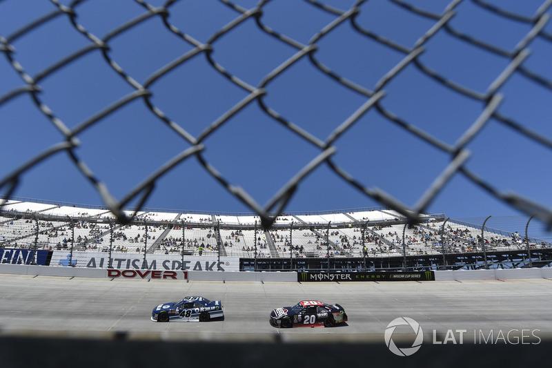 Brennan Poole, Chip Ganassi Racing, Chevrolet; Erik Jones, Joe Gibbs Racing, Toyota