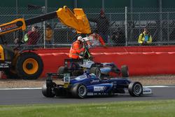 Ralf Aron, Hitech Grand Prix, Dallara F317 - Mercedes-Benz, Ferdinand Habsburg, Carlin, Dallara F317 - Volkswagen passes