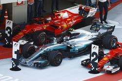 1. Valtteri Bottas, Mercedes AMG F1 W08; 3. Kimi Räikkönen, Ferrari SF70H