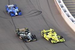 Simon Pagenaud, Team Penske Chevrolet, J.R. Hildebrand, Ed Carpenter Racing Chevrolet, Tony Kanaan, Chip Ganassi Racing Honda