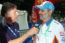 Henri Pescarolo wird von Jean-Luc Roy von Motors TV interviewt