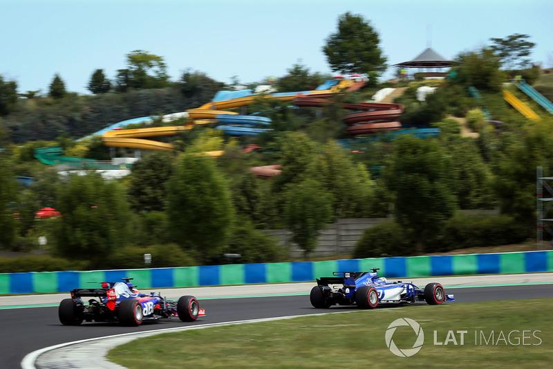 Daniil Kvyat, Scuderia Toro Rosso STR12, Marcus Ericsson, Sauber C36