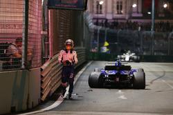 Race retiree Marcus Ericsson, Sauber C36 walks in after crashing