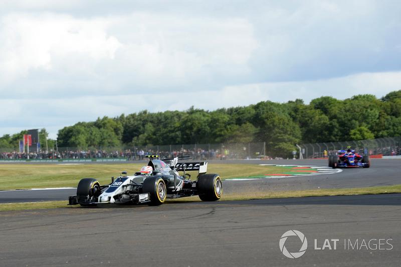 Антоніо Джовінацці, Haas F1 Team VF-17, виїхав за межі траси