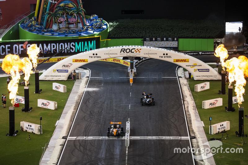 Tim Jerman, Sebastian Vettel, mengalahkan tim Kolombia, Juan Pablo Montoya, dengan mobil Ariel Atom Cup