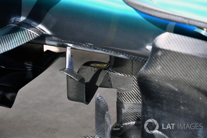 Детали передней части Mercedes F1 W08