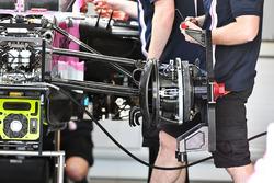 Force India VJM11 freno delantero y cubo de la rueda