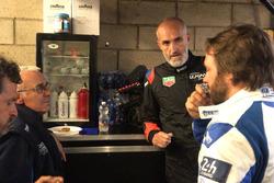 #47 Cetilar Villorba Corse Dallara P217 Gibson: Roberto Lacorte e Giorgio Sernagiotto con l'ingegner Trevisan e Raimondo Amodio