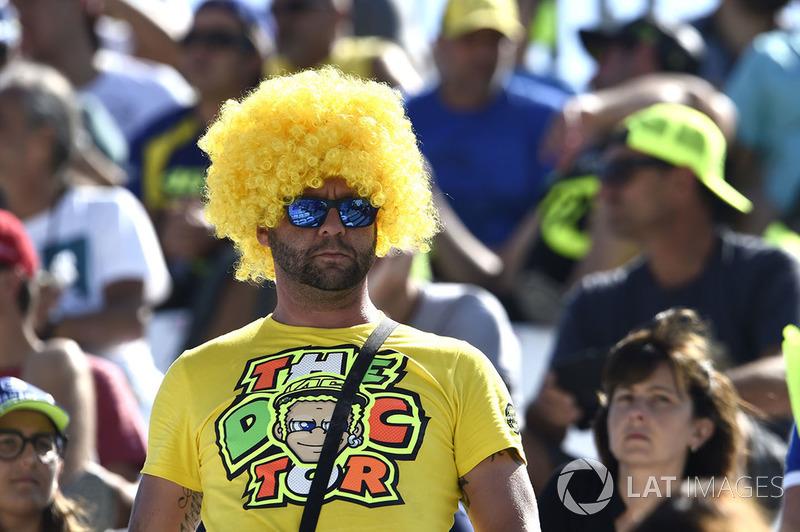 Fan de Valentino Rossi, Yamaha Factory Racing