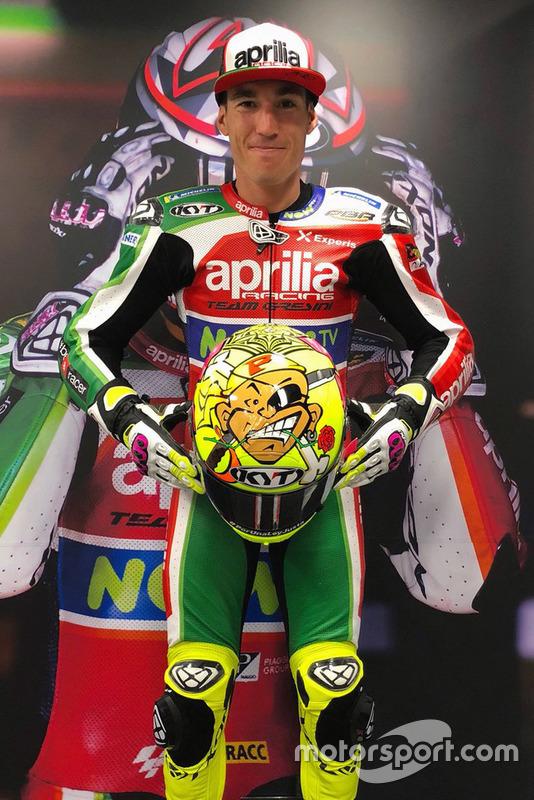 Шлем гонщика Aprilia Racing Team Gresini Алеша Эспаргаро