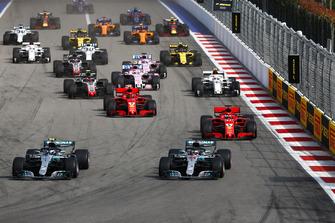 Start action, Valtteri Bottas, Mercedes AMG F1 W09 leads Lewis Hamilton, Mercedes AMG F1 W09, and Sebastian Vettel, Ferrari SF71H