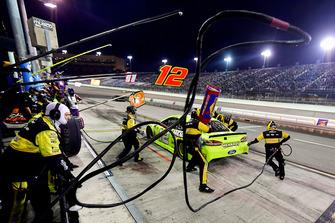 Ryan Blaney, Team Penske, Ford Fusion Menards/Richmond effettua un pit stop, Sunoco