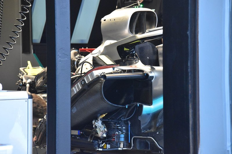 Detail mesin Mercedes AMG F1 W10