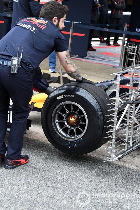 Red Bull Racing RB15 : roue avant avec capteurs aéro