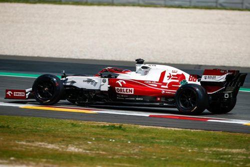 Essais Pirelli à Barcelone