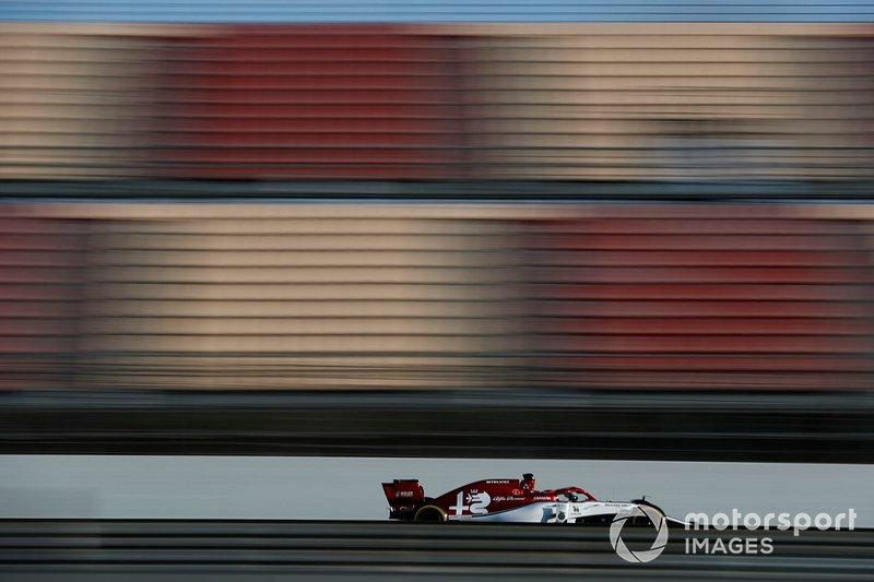 13º Kimi Raikkonen, Alfa Romeo Racing C38, 1:17.239 (neumáticos C5, día 8)