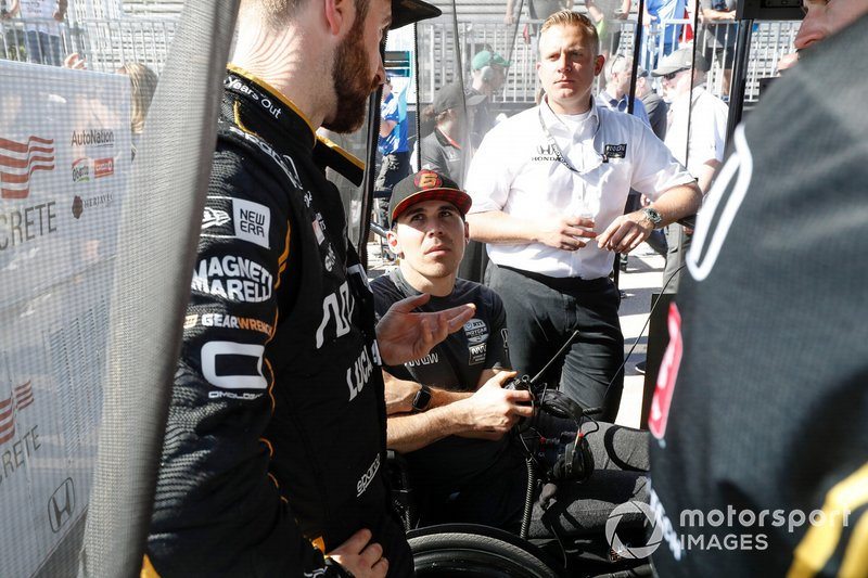 On his return to the IndyCar paddock at St. Pete this year, Wickens consults with longtime friend, rival and teammate James Hinchcliffe, and Arrow SPM general manager Taylor Kiel.