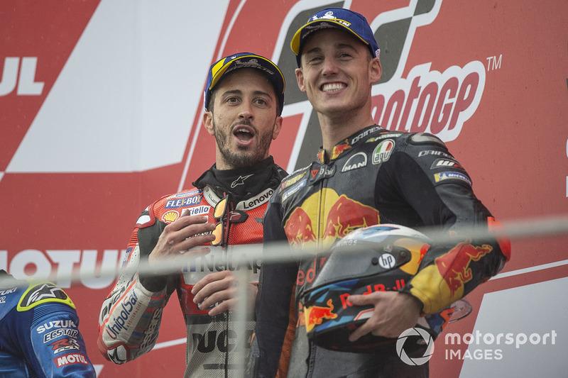 Подіум: переможець гонки Андреа Довіціозо, Ducati Team, третє місце Пол Еспаргаро, Red Bull KTM Factory Racing