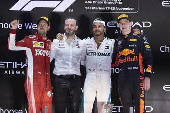 Директор Mercedes AMG з комунікацій Бредлі Лорд, Льюіс Хемілтон, Mercedes AMG F1, Себастьян Феттель, Ferrari, Макс Ферстаппен, Red Bull Racing