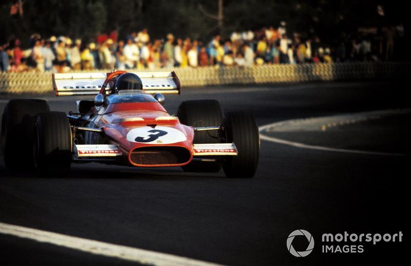 В концовке сезона Ferrari пребывала в отличной форме. Ее машина 312B, созданная Мауро Форгьери и оснащенная оппозитным 12-цилиндровым мотором, ехала быстро и надежно, заложив базис для будущих успехов Ники Лауды в середине десятилетия. Пока же Жаки Икс все дальше отрывался от преследователей.