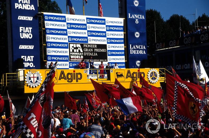 Podyum: Yarış galibi Damon Hill, Williams, 2. Jean Alesi; Ferrari, 3. Michael Andretti, McLaren