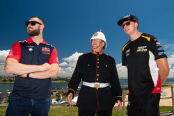 Shane van Gisbergen, Triple Eight Race Engineering Holden, Chaz Mostert, Rod Nash Racing Ford