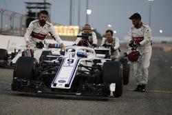 Marcus Ericsson, Sauber C37, sur la grille