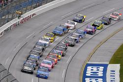 Stewart Friesen, Elaine Larsen Motorsports Chevrolet and Parker Kligerman, Henderson Motorsports Toyota