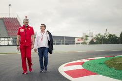 Керівник Ferrari Мауріціо Аррівабене, керівник Philip Morris Луіс Каммілері