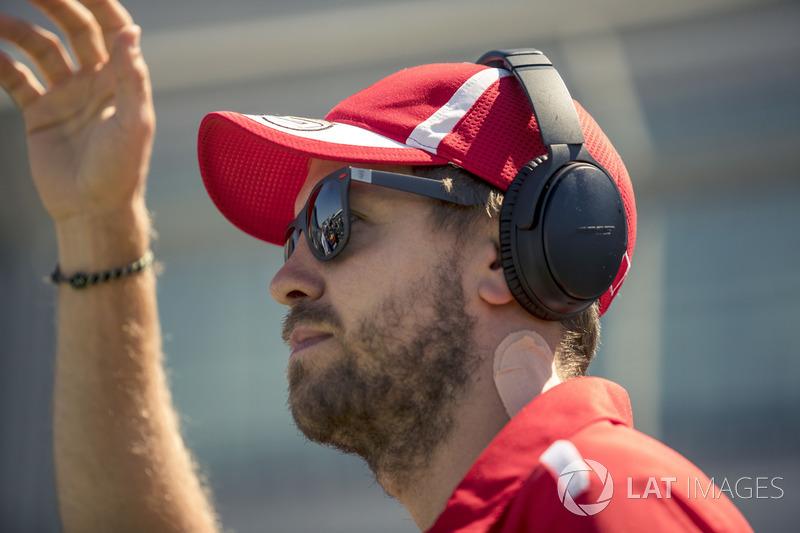 Sebastian Vettel, Ferrari, nella drivers parade
