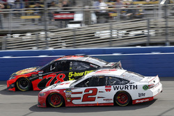 Brad Keselowski, Team Penske, Ford Fusion Wurth Martin Truex Jr., Furniture Row Racing, Toyota Camry Bass Pro Shops/5-hour ENERGY