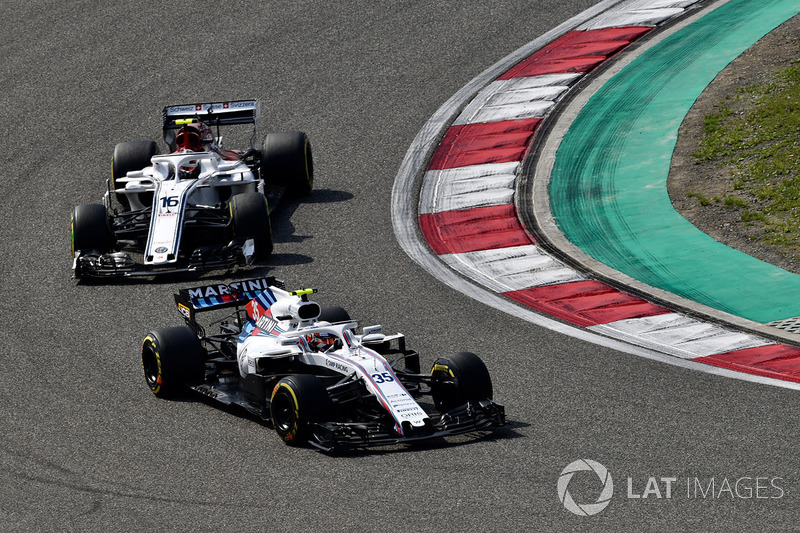 Sergey Sirotkin, Williams FW41 e Charles Leclerc, Sauber C37