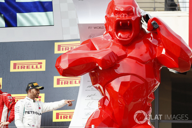 Se distancia con el traspié de Vettel