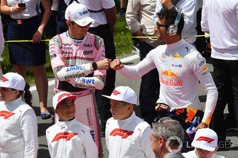 Esteban Ocon, Force India F1 and Daniel Ricciardo, Red Bull Racing on the grid