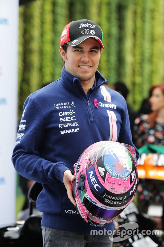 Sergio Pérez, Sahara Force India F1 con su nuevo casco
