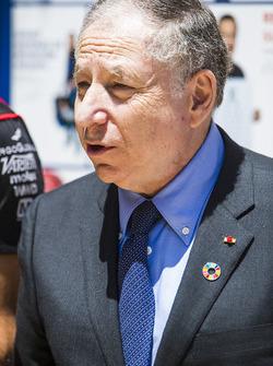Президент FIA Жан Тодт, Хосе Мария Лопес, Dragon Racing, и Лукас ди Грасси, Audi Sport ABT Schaeffler