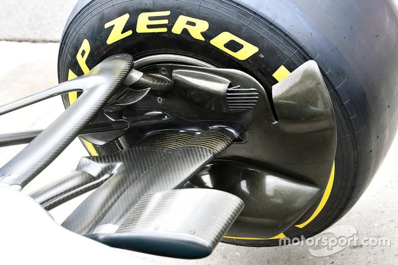 Mercedes-Benz F1 W08 ön fren kanalı detay