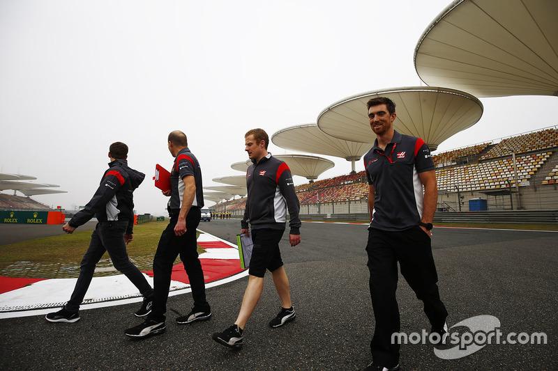 Сотрудники команды Haas