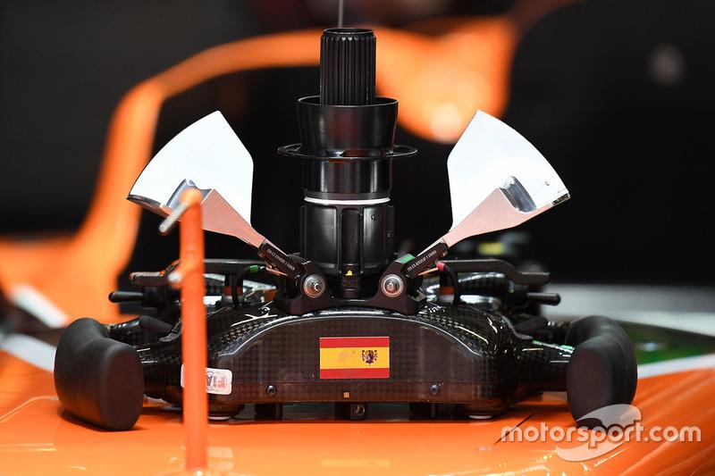 迈凯伦MCL32赛车方向盘细节图