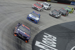 Denny Hamlin, Joe Gibbs Racing Toyota, A.J. Allmendinger, JTG Daugherty Racing Chevrolet