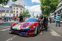 #51 AF Corse Ferrari 488 GTE: Джеймс Каладо, Алессандро П'єр Гуіді, Лукас ді Грассі